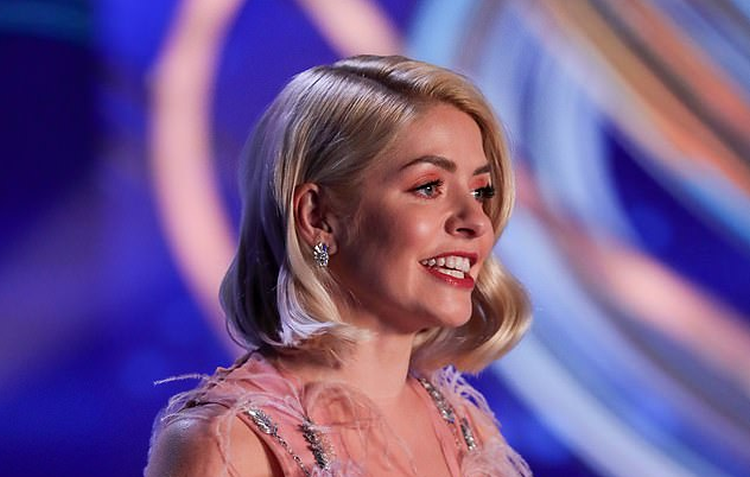 Holly Willoughby's dress recieved a number of Ofcom complaints for being too revealing